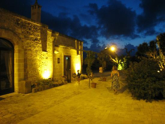 Masseria Bosco: Strazzati by night