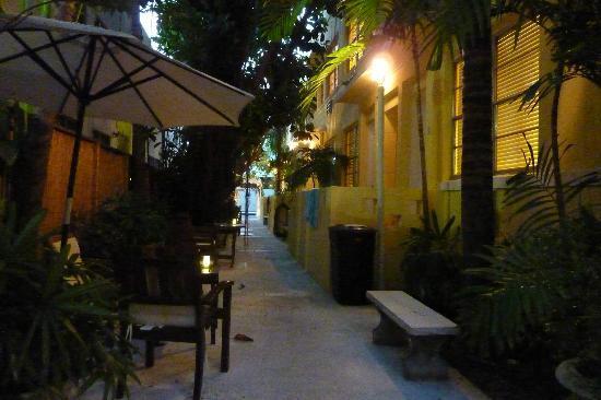 Villa Paradiso: Garten