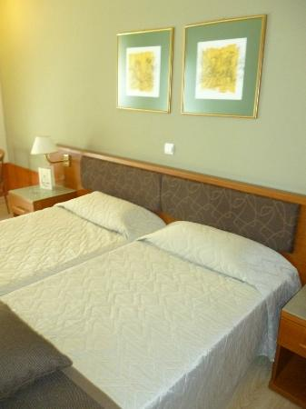 Acropolis Select Hotel: Habitacion