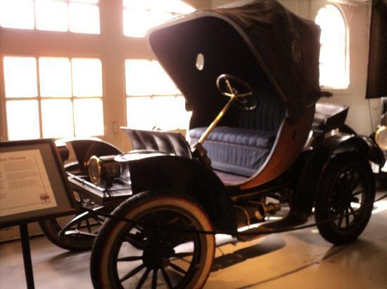 Larz Anderson Park: larz cars