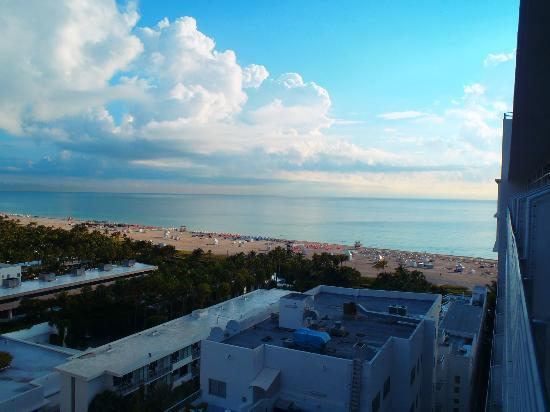 The Ritz-Carlton, South Beach: Side ocean view