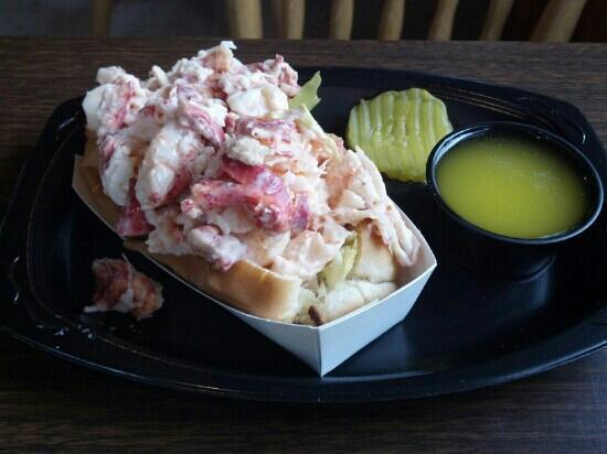 Shaw's Fish & Lobster Wharf: best lobster roll on the planet