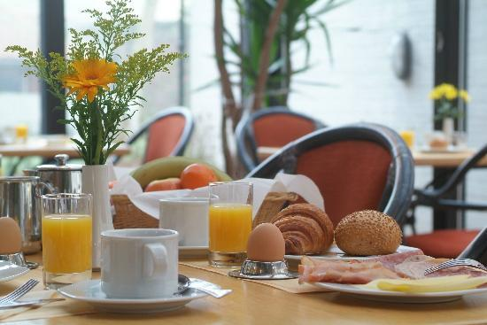 Rosenburg Hotel: Breakfast buffet