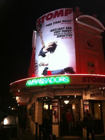 Stomp: Ambassadors Theatre