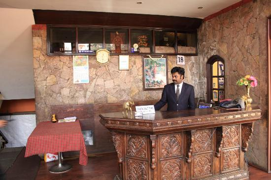 FabHotel Khems Ooty: Reception