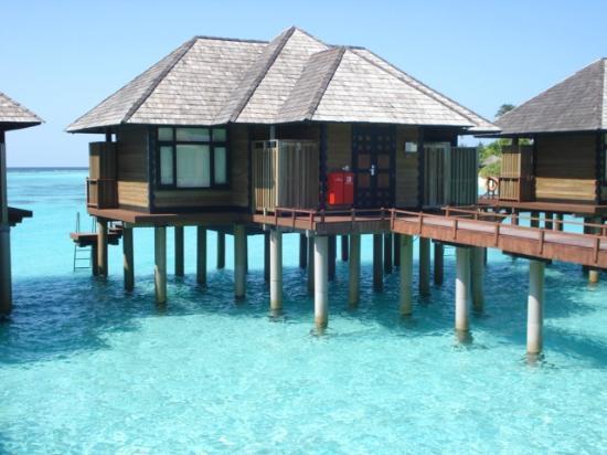 Water villa picture of the sun siyam iru fushi maldives for Hilton hotels in maldives