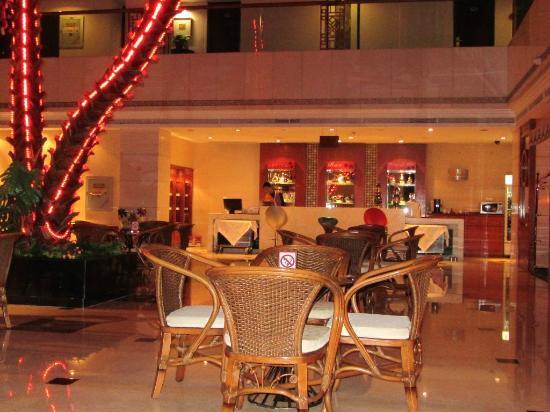 Garden Hotel: Hotelbar