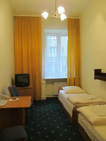 Hotel Mazowiecki: my single room was a twin
