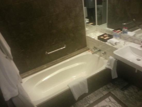 Grand Hyatt Melbourne: Bath