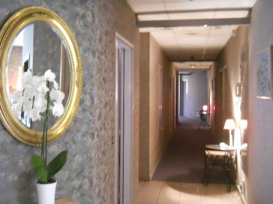 Hotel La Nonette : Il corridoio