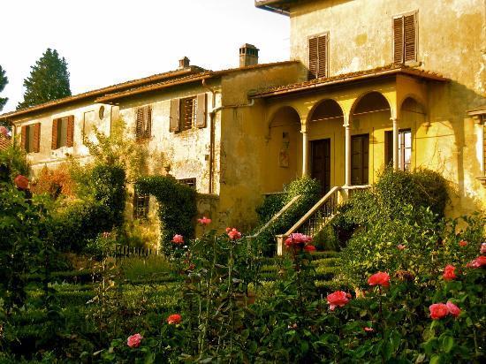 Villa Baldasseroni: The villa from the garden
