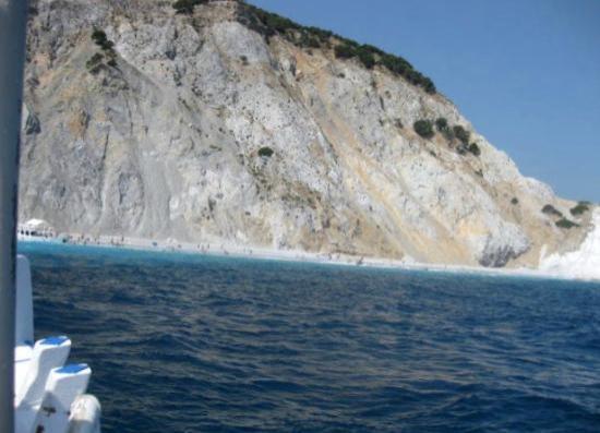 Lalaria Beach: Approaching Lalaria