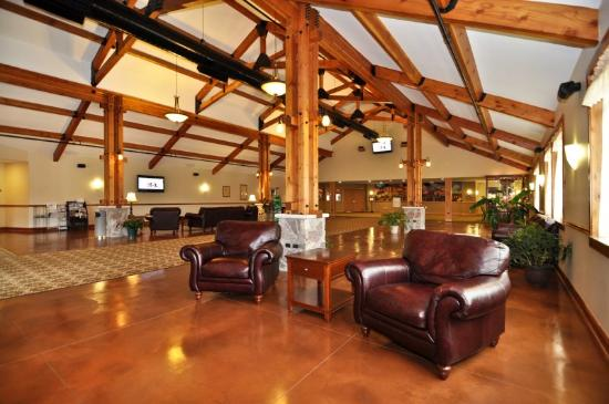 Timber Creek Inn & Suites: Lobby