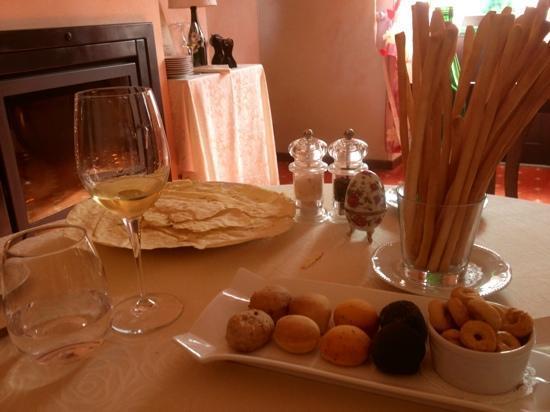 Ristorante Champagne Bar Il San Pietro: pane fatto dallo chef