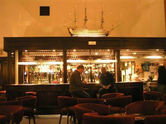 Royal Maritime Club: The Victory Bar