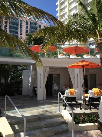 Loews Miami Beach Hotel: our cabana