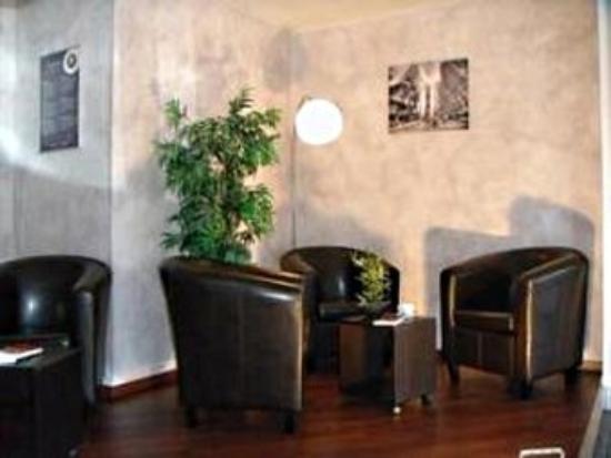 L'Hostellerie des Pins : Lobby