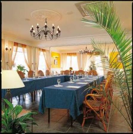 L'Hostellerie des Pins : Meeting Room
