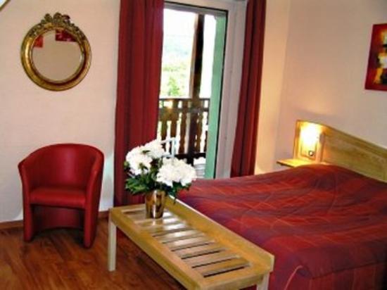 A l'Arbre Vert Hotel-Restaurant: Guest Room