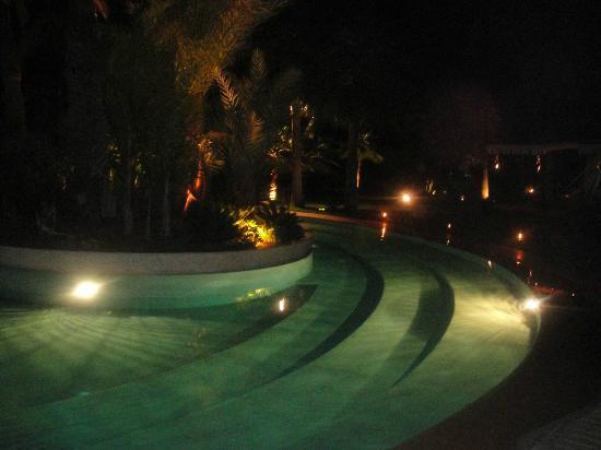 Lodge K Hotel & Spa: piscine