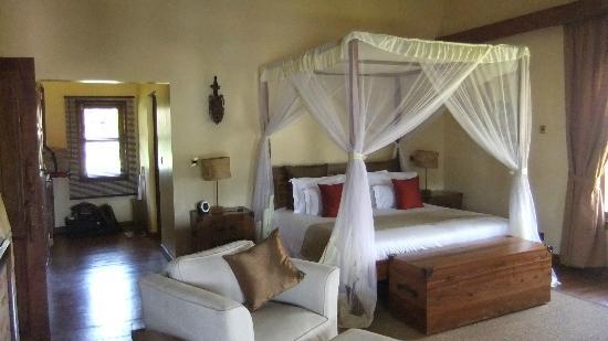 Neptune Ngorongoro Luxury Lodge : Zimmer