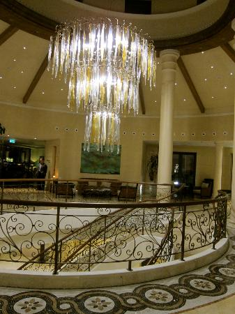 Cascade Wellness & Lifestyle Resort: Hotel Lobby