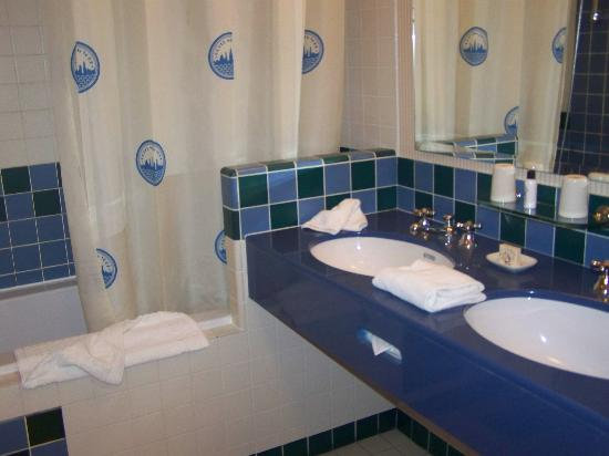 salle de bains photo de disney 39 s hotel new york chessy tripadvisor. Black Bedroom Furniture Sets. Home Design Ideas