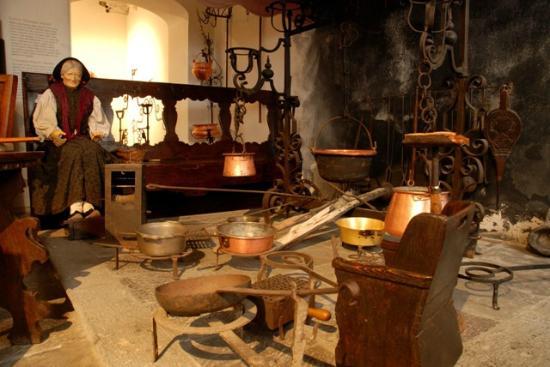 Museo carnico delle arti popolari michele gortani for Disegni popolari della casa