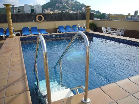 Costa Brava Hotel: piscina