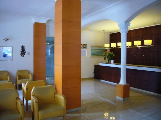 Costa Brava Hotel: recepción