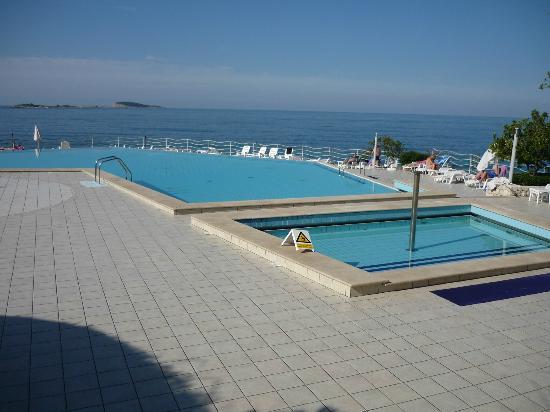 Plat & Orphee : piscine