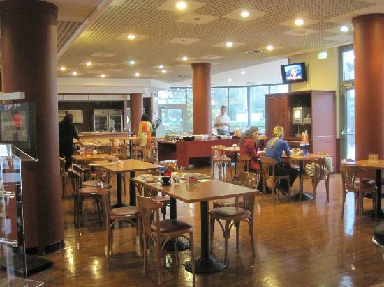 Ibis Verona: sala colazioni