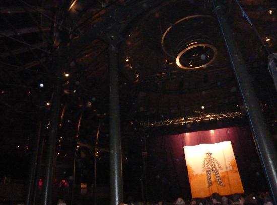Roundhouse : interior