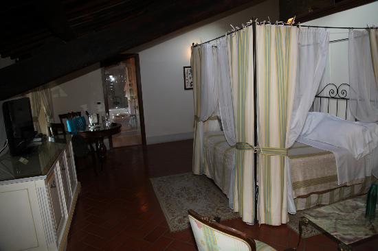 Villa di Piazzano: Room