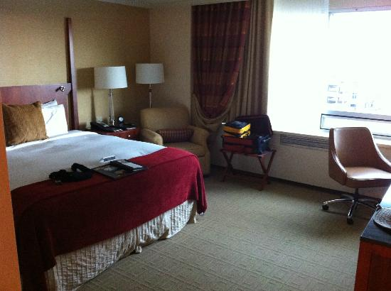 Fairmont Winnipeg: Our room
