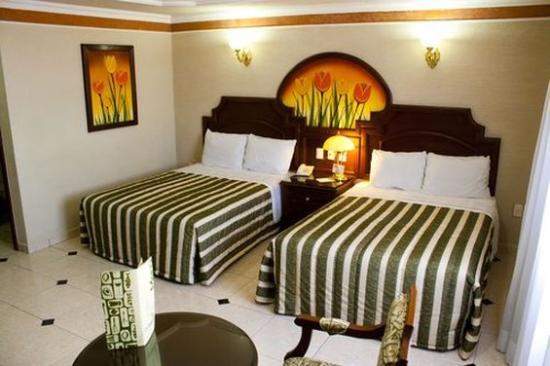 HOTEL CASINO PLAZA: Room