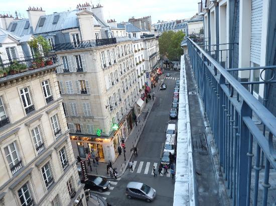 Hotel de l'Arcade: Vista da rue de l'Arcade