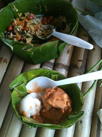 Sampran Riverside: Banana Leaf Bowls