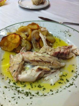 Restaurante Mara: corvina al horno