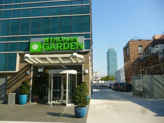 Hotel Eingang Picture Of Wyndham Garden Long Island City