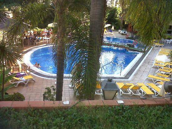 Hotel Puerto de la Cruz: the ground floor pool