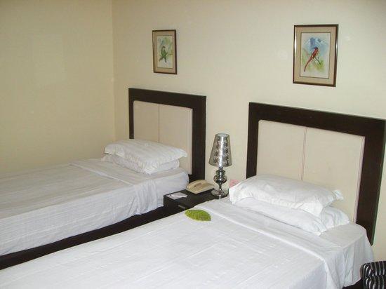 Hotel Himalaya: Riesige gute Betten