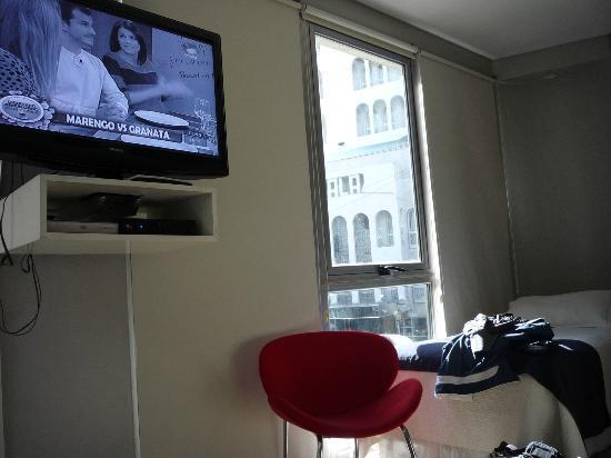 Dot Suites Mendoza : tiene tv, dvd