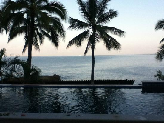 Playa Conchas Chinas: Look at ocean from the private pool