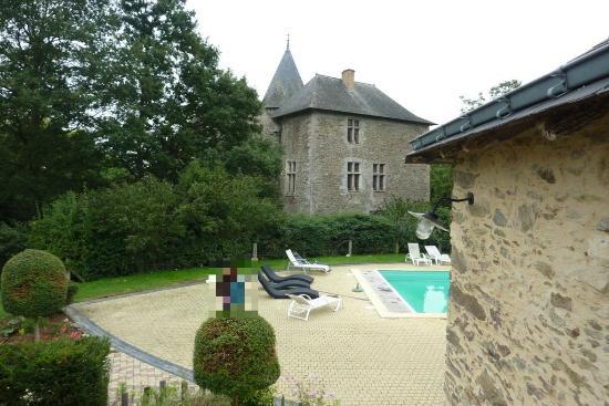 Château de Chanzé : Vue sur le chateau depuis un gîte