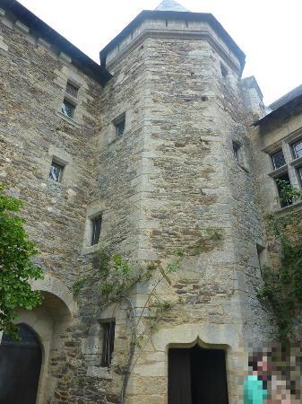 Château de Chanzé : L'arrière du chateau, lieu du barbecue