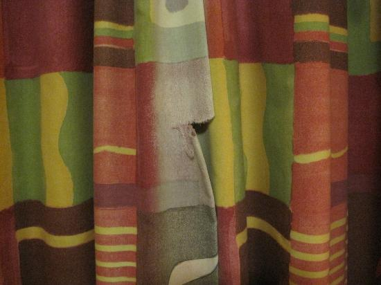 The Ship and Castle Hotel: curtain