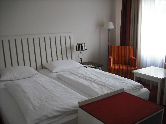 Novum Hotel Bremer Haus: One of our rooms
