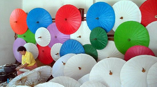 Bo Sang, Thái Lan: Beautiful Umbrellas and Fans - Handmade