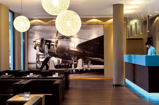 Motel One Hamburg Airport: Lounge